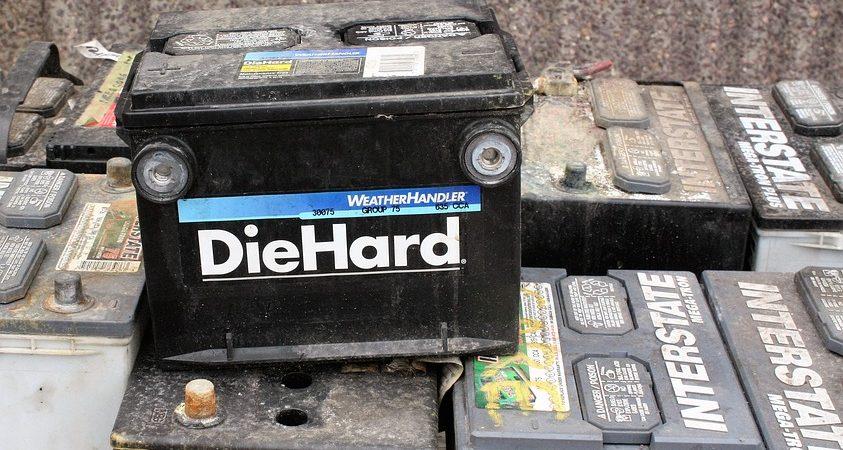 Soluții la îndemână chiar și atunci când bateria auto îți face probleme